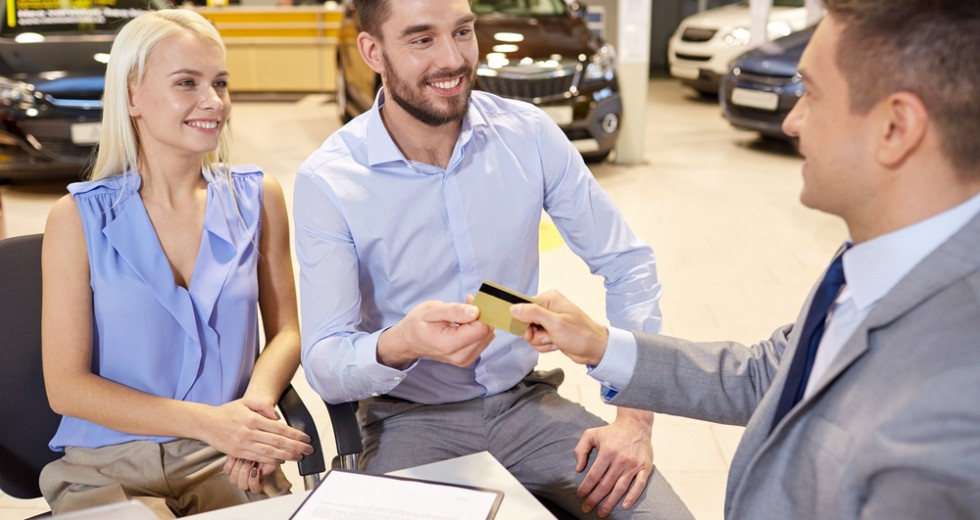 Trouble With Your Finances: A Bad Credit Car Dealer Can Help