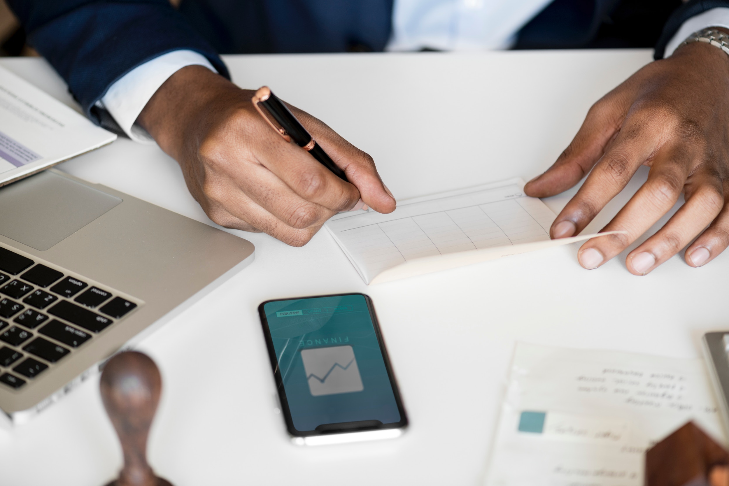 Solutions For Restaurants: Dealing With Payroll Issues